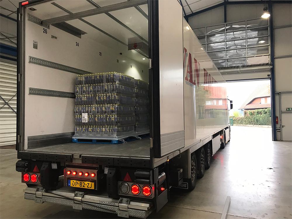 Van Houten Transport Vrachtwagen Achterzijde Inladen
